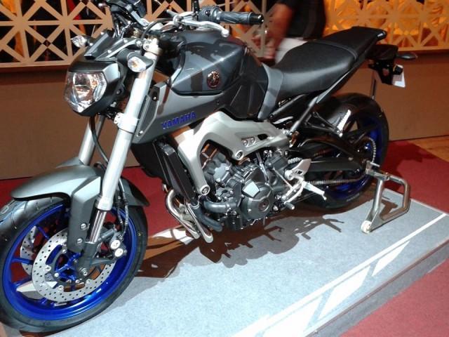 2014-Yamaha-MT-09-Malaysia-002-640x480