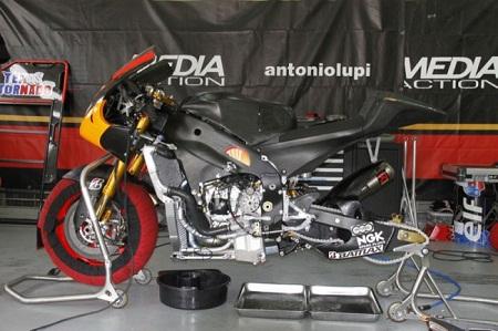 Yamaha-FTR-M1-Forward-Racing-650x433