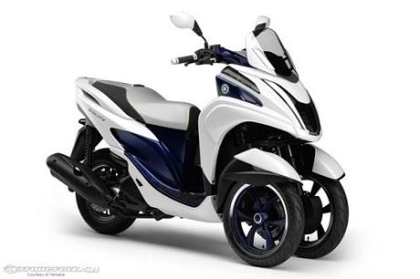 Yamaha Tricity (2)
