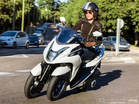 Yamaha Tricity (3)
