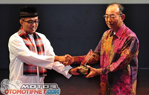 oto-award-best-sport-1