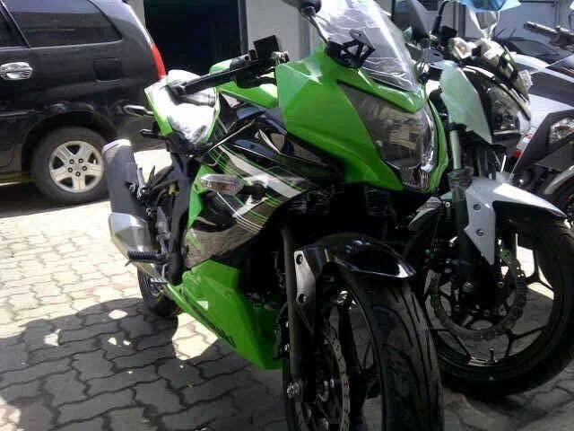 Ninja RR Mono Sudah Ready di Dealer Kawasaki, Siapkan DP Mu ...