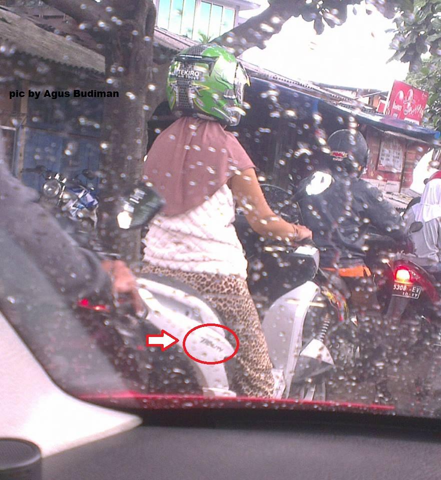 Hot SpyshotYamaha Tricity Motor Roda Tiga Nongol Di Bandung