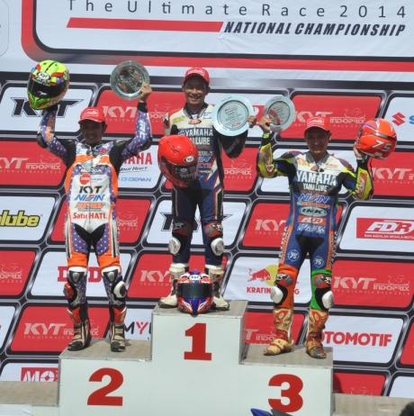 Fitriansyah_Kete_di_podium_pertama_race_kelas_110cc_seri_3_Indoprix_2014