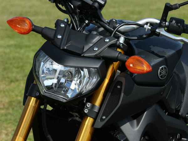 fz09_headlight