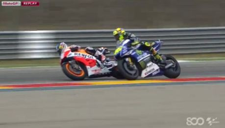 rossi crash (3)