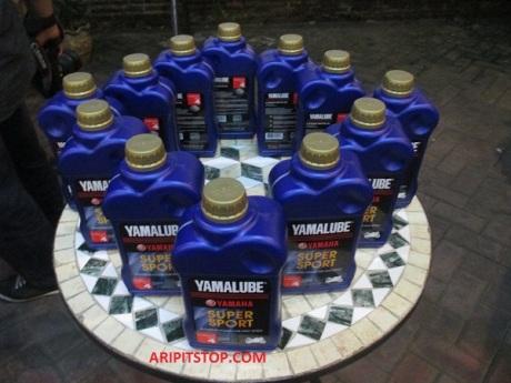 YAMALUBE SPORT R SERIES (2)