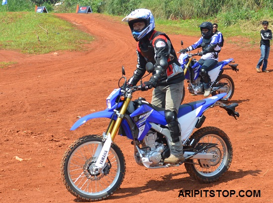 First Impression With Yamaha Wr250r Dingklik Style
