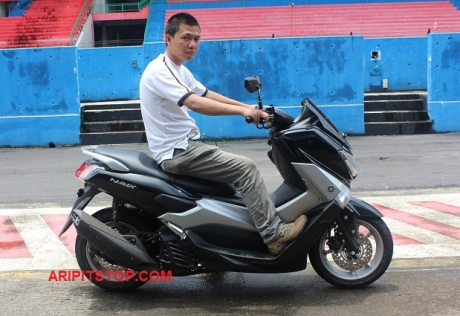 RIDING WITH NMAX (1)