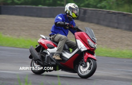 RIDING WITH NMAX (2)