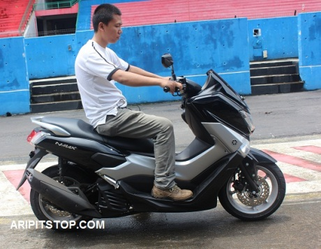 RIDING WITH NMAX (4)