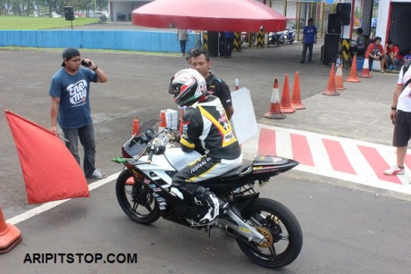 SUNDAY RACE R15 PROFESIONAL (6)