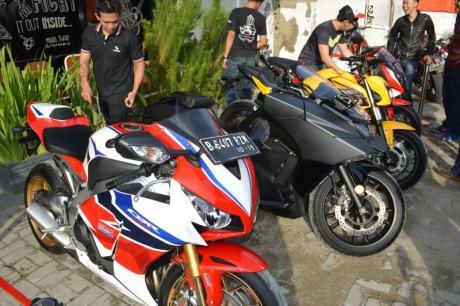 Honda-Big-Bike-Berjejer