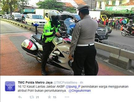 Rider moge bergaya ala Polisi trobos jalur Transjakarta (4)