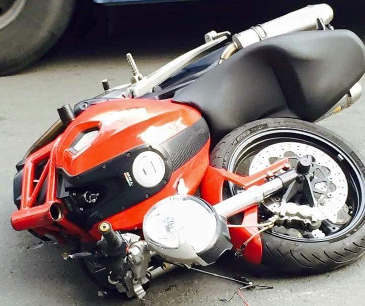 Ducati Monster Tampak Depan