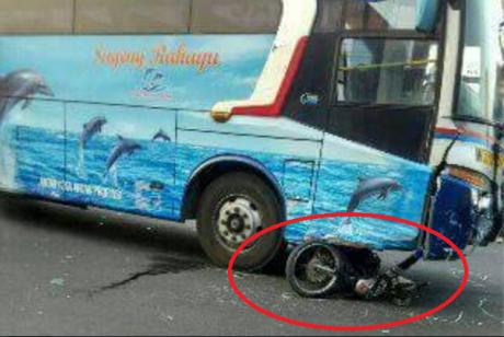 kecelakaan bus rahayu (1)