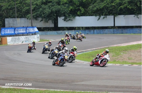 YAMAHA SUNDAY RACE R15 (2)