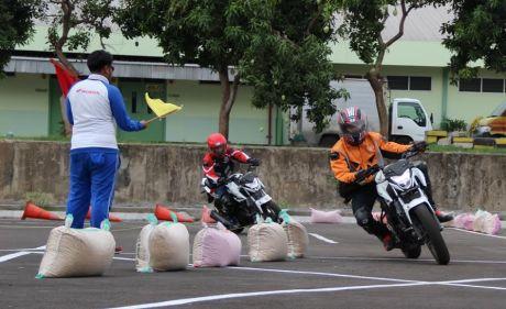 All New Honda CB150R Streetfire Track Day (2)