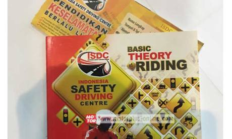 buku safety riding