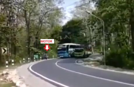 bus cornering