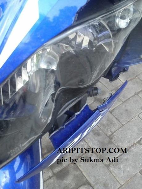 headlamp r15 pecah (1)