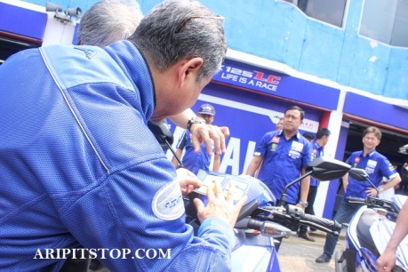 Pit Shirt Movistar Yamaha MotoGP 2016 (7)