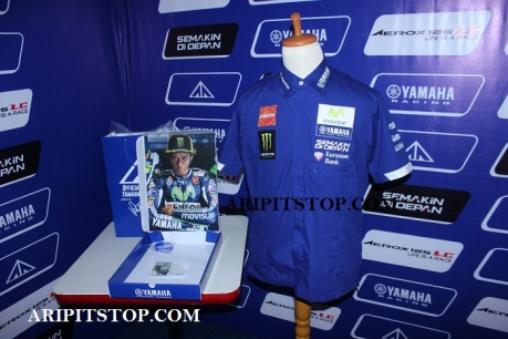 Pit Shirt Movistar Yamaha MotoGP 2016 (8)