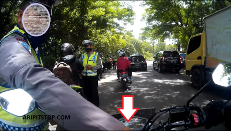 RAZIA POLISI  KUNCI KONTAK LANGSUNG DIAMBIL PAKSA (1)