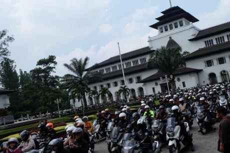 Bandung Lautan NMAX, Dedy Mizwar Lepas Rombongan Jambore Nasional Indonesia Max Owners (4)