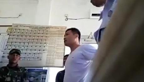 tni marah2 sama petugas pintu kereta